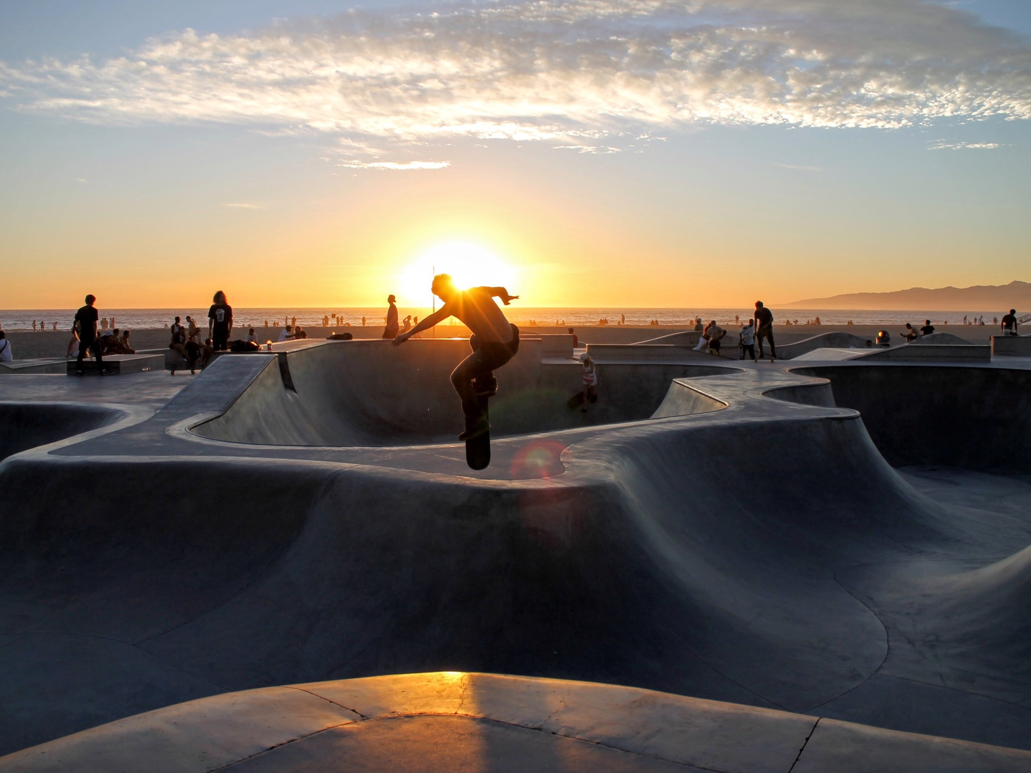 Skateboarding at dusk. Learn about Scrum in 10 minutes then get our and have fun.
